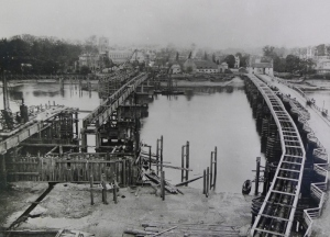 Beginning the construction of the new bridge (1883)