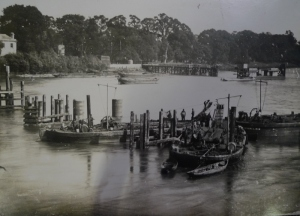 Dismantling of the old bridge (c1886)